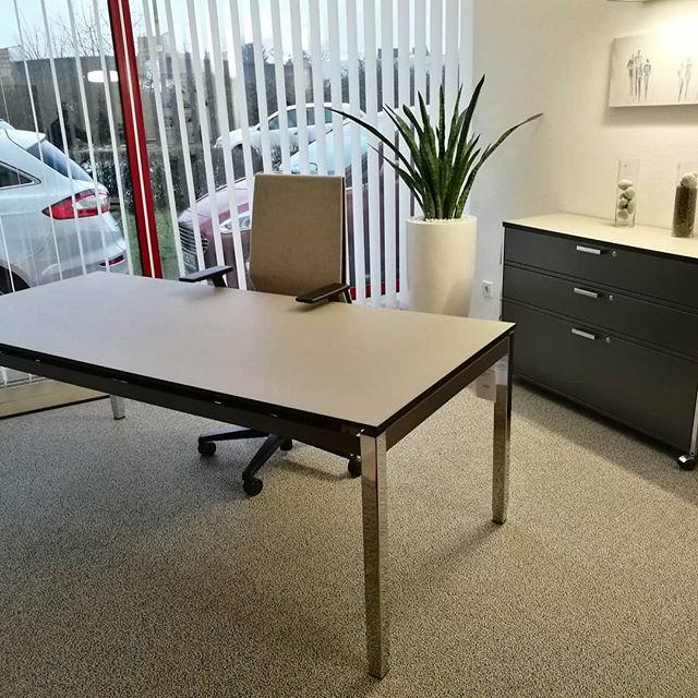 Tisch + Sideboard